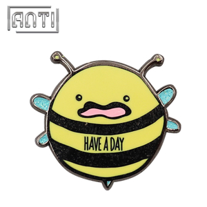 Newest Style Custom Bee Soft Enamel Pins Cartoon Badge